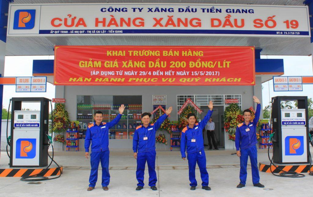 Đồng phục bảo hộ của nhân viên Xăng Dầu Petrolimex