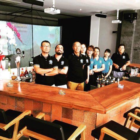 Áo đồng phục nhân viên Gold Bar & Cafe Ta-Bo tại Quận Bình Thạnh