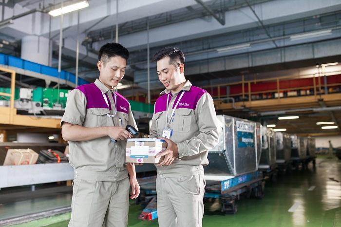 Áo bảo hộ đồng phục nhân viên Dịch Vụ Chuyển Phát Nhanh Nasco ở Hà Nội 12