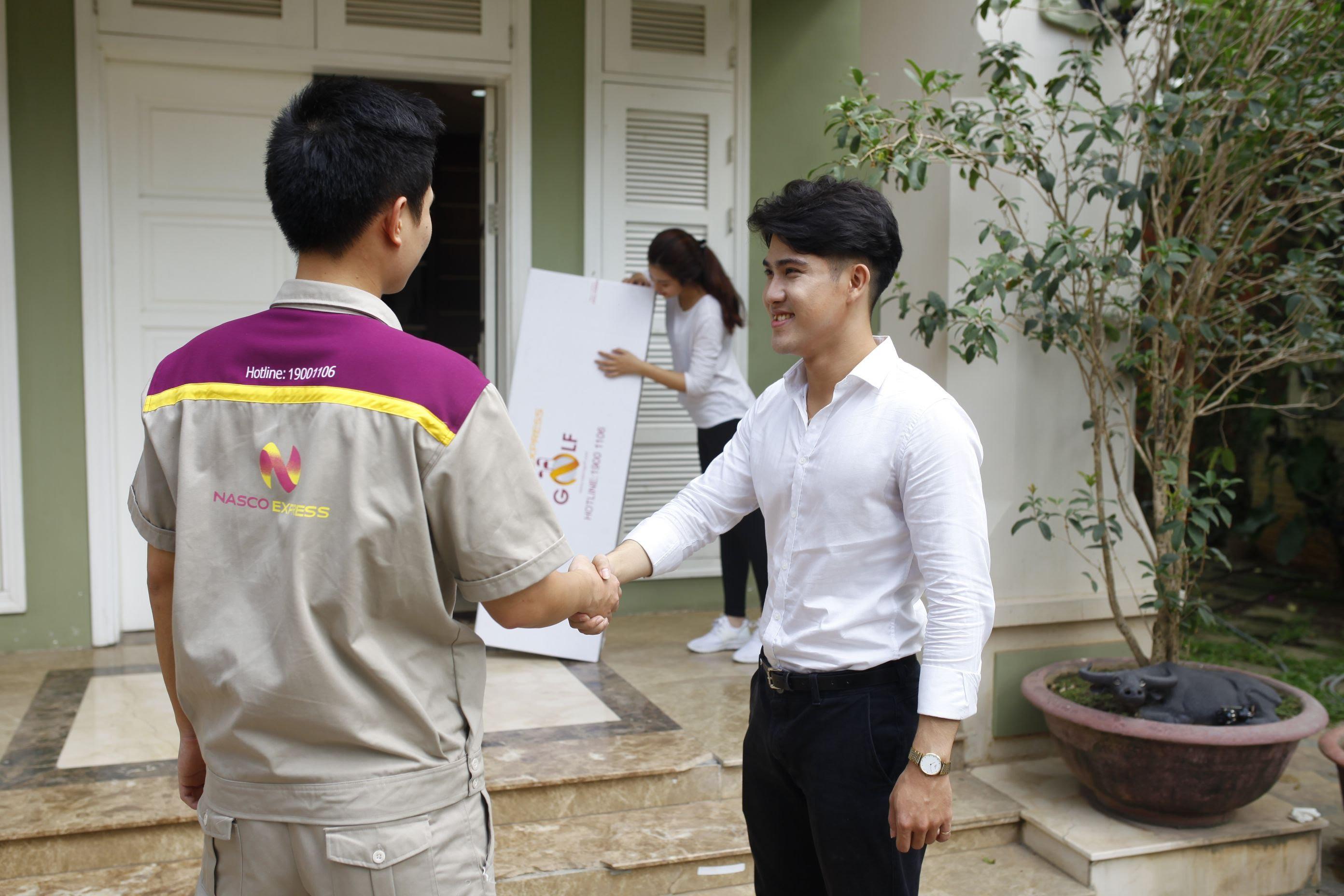 Áo bảo hộ đồng phục nhân viên Dịch Vụ Chuyển Phát Nhanh Nasco ở Hà Nội 15