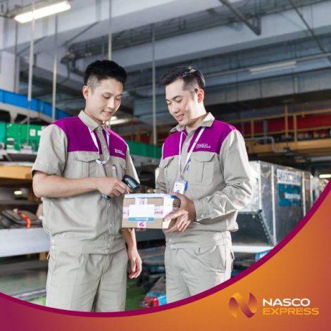 Áo bảo hộ đồng phục nhân viên Dịch Vụ Chuyển Phát Nhanh Nasco ở Sài Gòn