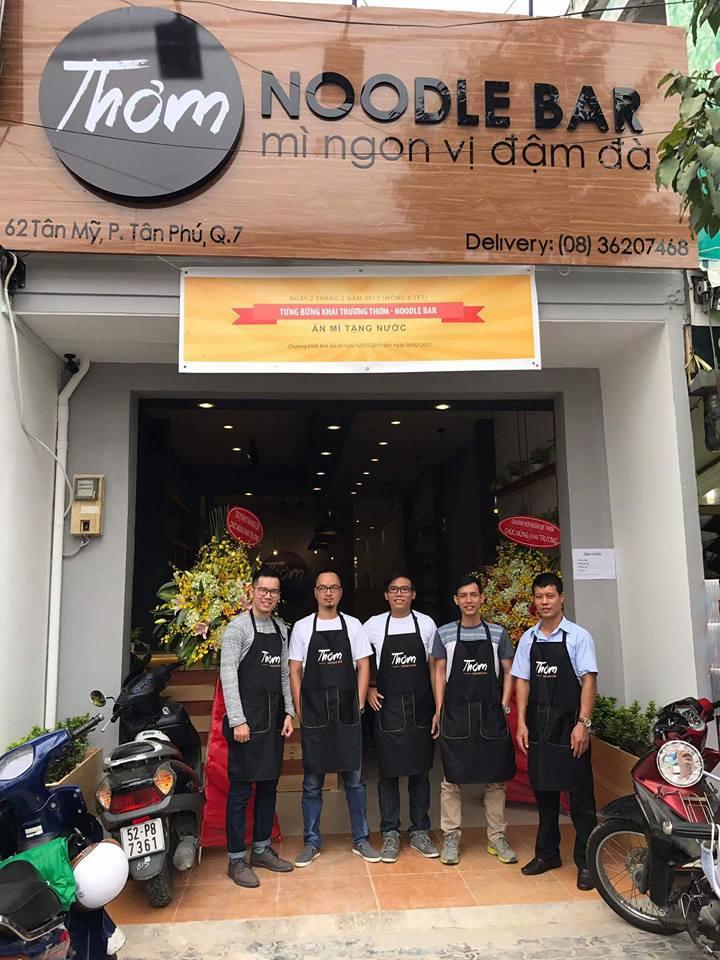 Đồng phục áo thun và tạp dề Tiệm Mì Thơm - Noodle Bar tại Quận 7 - 2