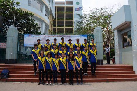 Đồng phục sinh viên Trường Đại Học Tôn Đức Thắng ở Quận Bình Thạnh