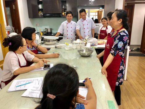 Tạp dề đồng phục Lien Nguyen Bakery ở quận 7 16