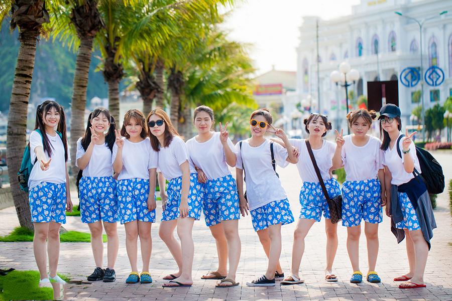 Những mẫu áo đồng phục đi biển mới lạ cho đội nhóm - 6