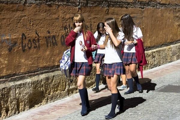 Khám phá những bộ đồng phục học sinh đa dạng và đặc sắc khắp thế giới - 12